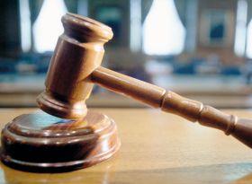 Justitie-ciocan-ciocanelmijloc